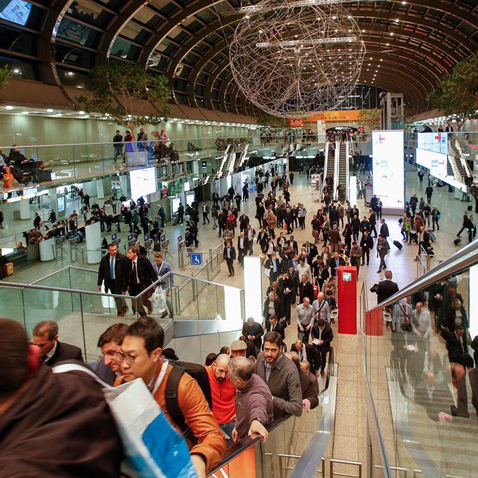 Eingangshalle der Messe Düsseldorf, Foto: Messe Düsseldorf, Constanze Tillmann